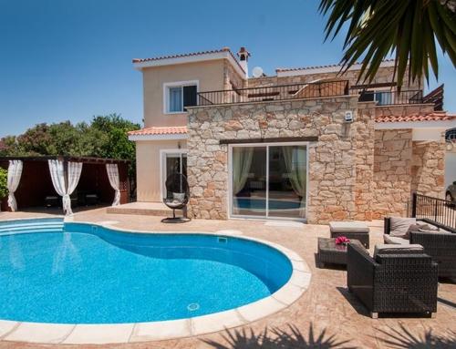 St George Luxury Villa  # 2060